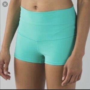 Lululemon Boogie Shorts- Mint Green- size 4